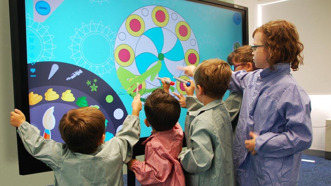 نمایشگر تعاملی برای یادگیری